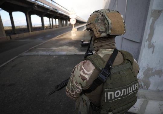 По вчерашнему инциденту на мосту метро в Киеве