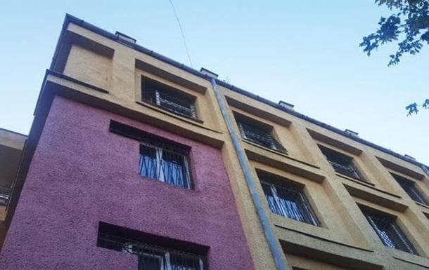 Из окна отдела полиции Ужгорода выбросился мужчина