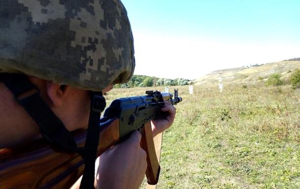 На Донбасі за день поранені троє військових