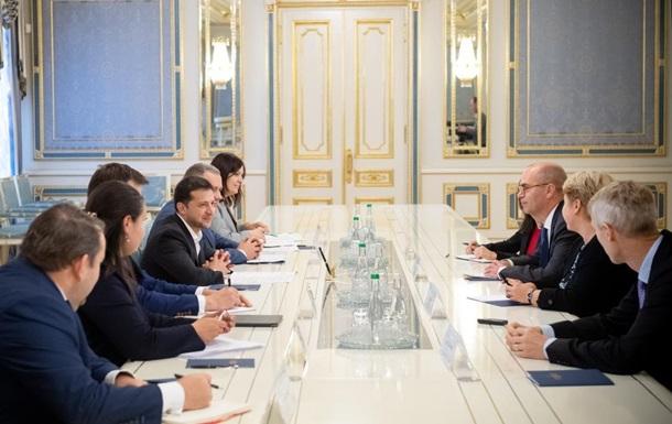 Зеленський зустрівся із представниками місії МВФ