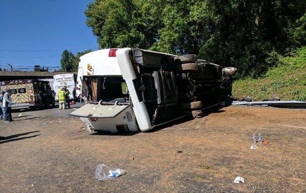 У США розбився туристичний автобус: є жертви
