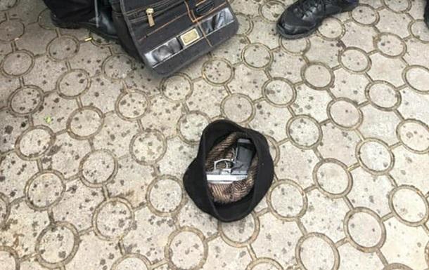 В Черновцах пьяный водитель открыл огонь при задержании после ДТП