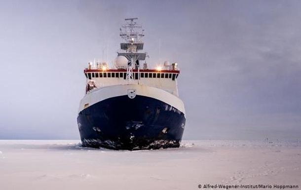 Найбільша в історії експедиція вирушила в Арктику