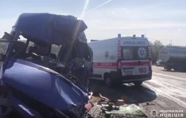Девять человек погибли в ДТП под Одессой