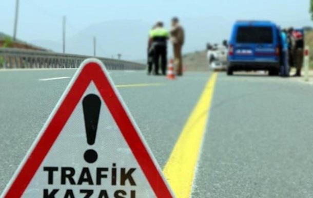 В Турции перевернулся автобус с россиянами: 22 пострадавших