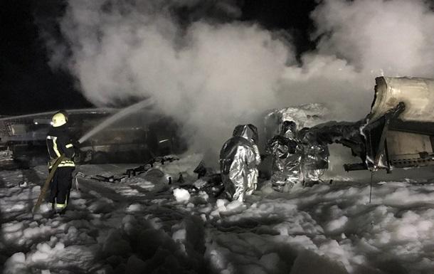 Пожежу автоцистерн у Києві ліквідовано