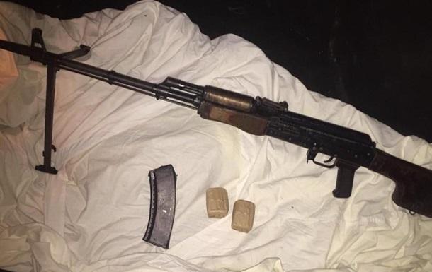 На Буковине бывший военный продавал оружие из зоны ООС