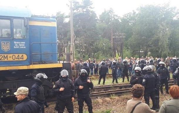 Уголь, заблокированный на западной Украине, идет на ТЭС Медведчука