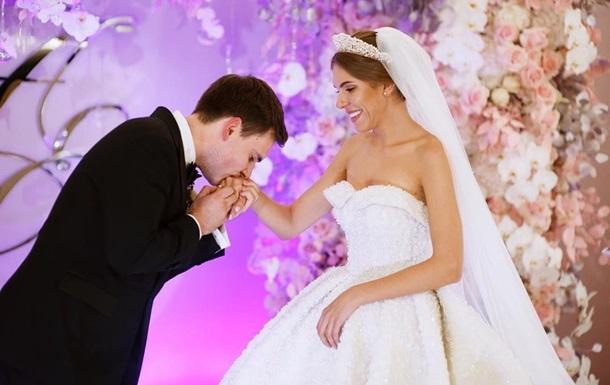 Певица Ассоль показала первые фото со свадьбы