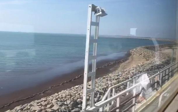 Россия запустила поезд по Керченскому мосту