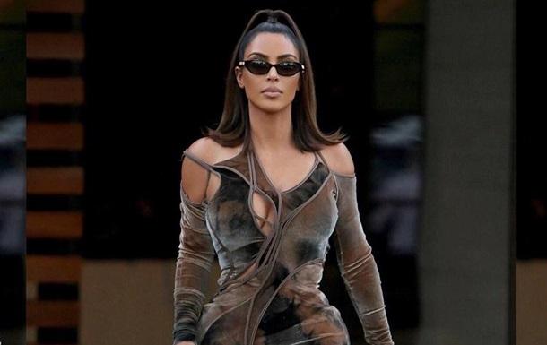 Ким Кардашьян показала, как выглядела в 18 лет