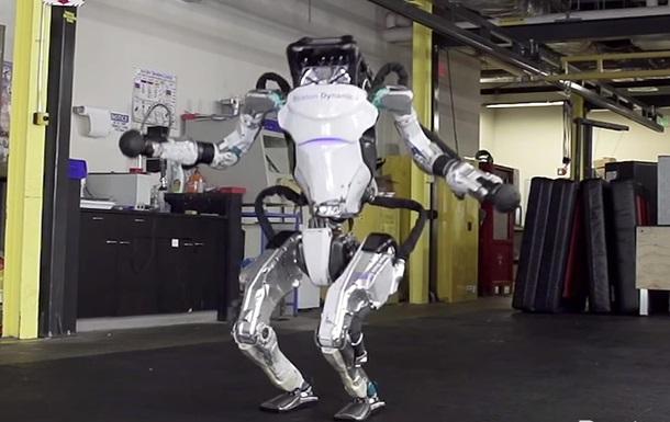 Робота Boston Dynamics научили акробатике