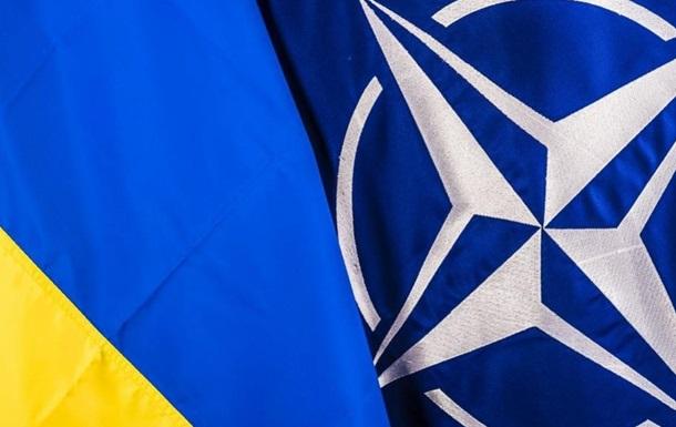Українську армію навчатимуть інструктори НАТО