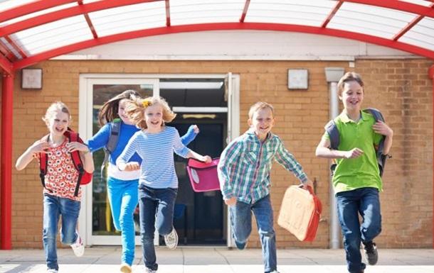Школьные каникулы: когда и сколько будут отдыхать дети