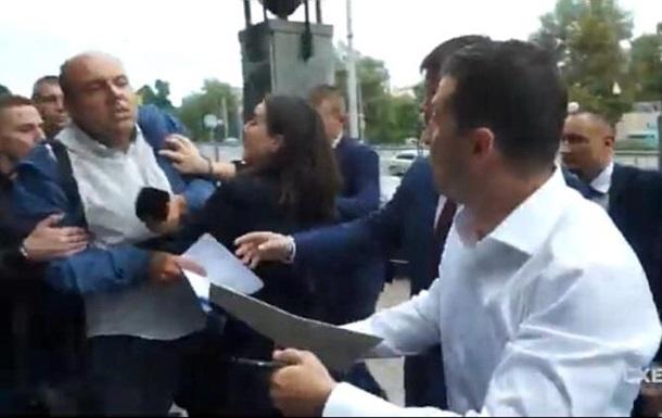 Сутичка Мендель з журналістом: повне відео