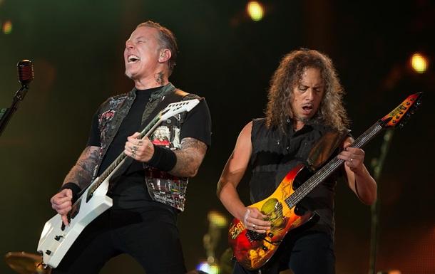 Metallica отменила тур из-за алкоголизма вокалиста