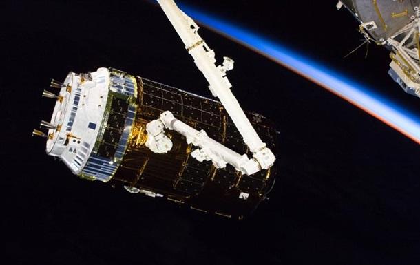 Японська  вантажівка  успішно пристикувалася до МКС