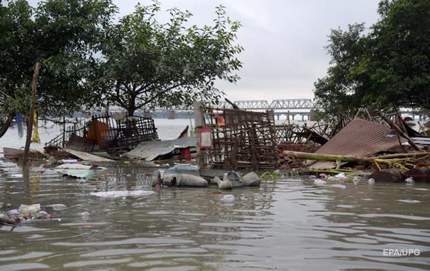 В Індії 130 людей загинули через зливи