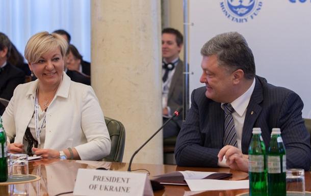 Порошенко пообіцяв три мільйони за інформацію про замовників Гонтаревої
