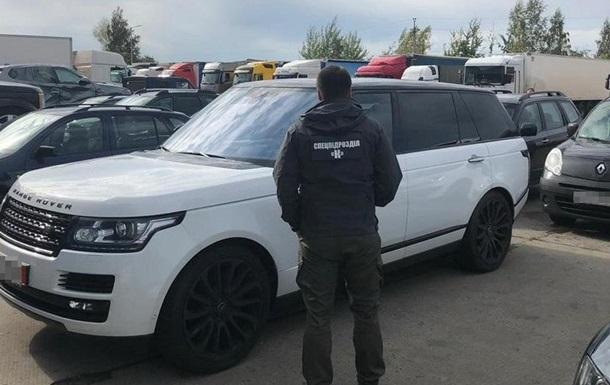 На Житомирській митниці виявлено корупційну схему з розмитнення авто