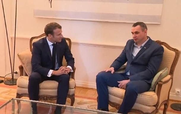 Сенцов і Макрон зустрілися в Страсбурзі