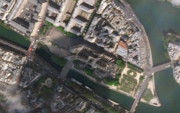 Чоловік з ножем напав на поліцейську дільницю в Парижі