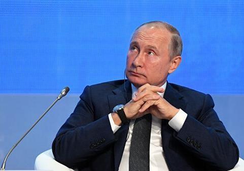 Путин заявил о бестолковой финансовой политике США
