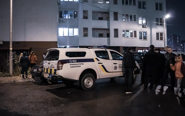 У Києві школяр впав з балкона 10-го поверху