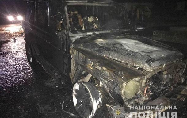 У Рівненській області спалили авто депутата облради