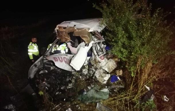 В Румынии столкнулись автофургон и микроавтобус: 10 жертв