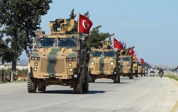 Турция стягивает войска к границе Сирии