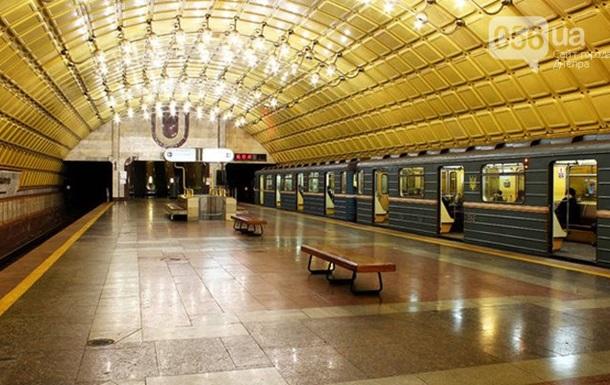 Для метро Дніпра закупили старі деталі під виглядом нових