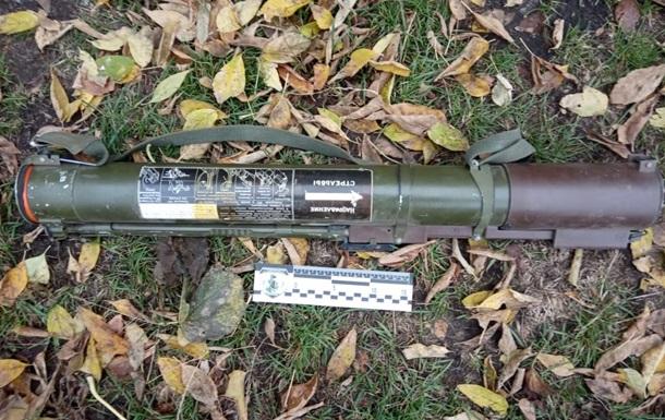 У Сумській області на кордоні з Росією знайшли схованку з гранатометами