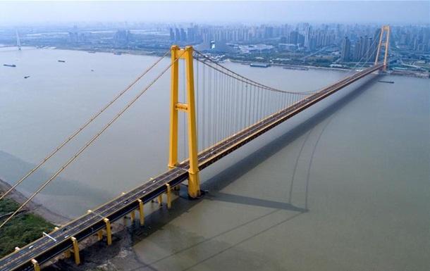 В Китае открыли самый длинный в мире двухэтажный автомобильный мост