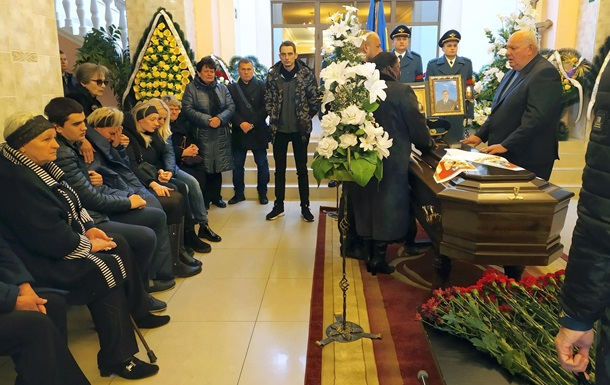 Авария Ан-12: в Виннице простились с погибшими летчиками