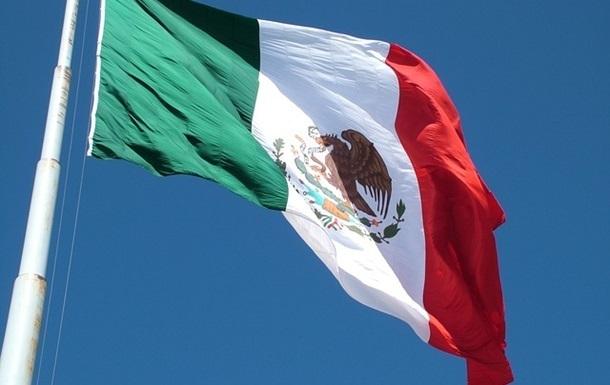 Мера міста в Мексиці прив язали до машини і волочили по вулиці