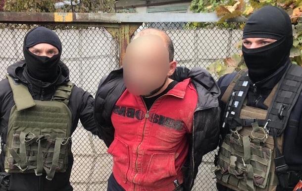 На Київщині банда азербайджанців пограбувала будинок