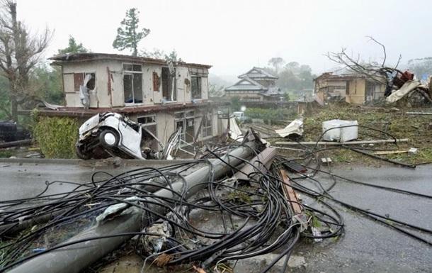 Японію накрив надпотужний тайфун