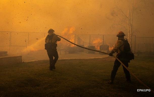 Три людини стали жертвами пожеж у Каліфорнії