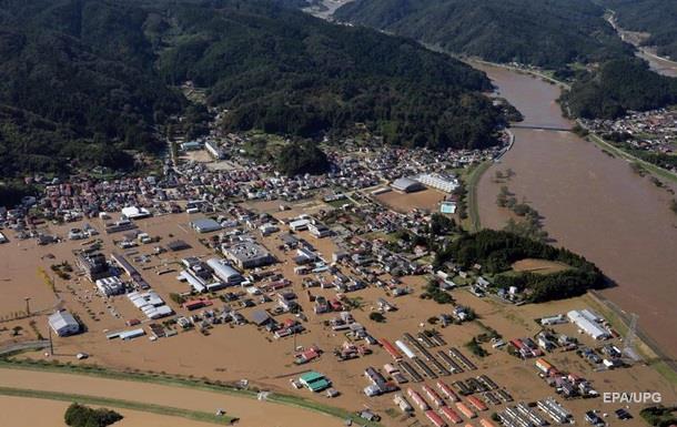 Жертвами тайфуна в Японии стали уже 40 человек