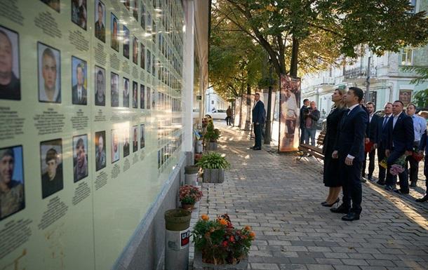 Зеленский едет на Донбасс в День защитника