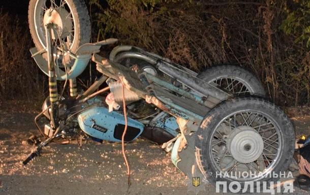 На Винничине в ДТП с мотоциклом погибли два человека
