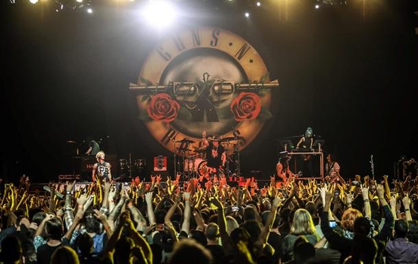 Клип Guns N'Roses - Sweet Child O' Mine пересек отметку в миллиард просмотров