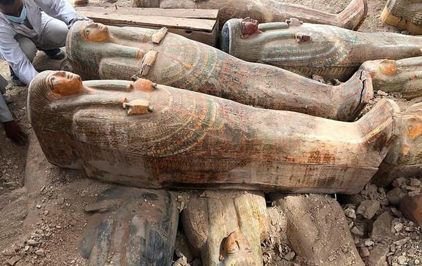У некрополі в Луксорі знайшли більше 20 запечатаних саркофагів