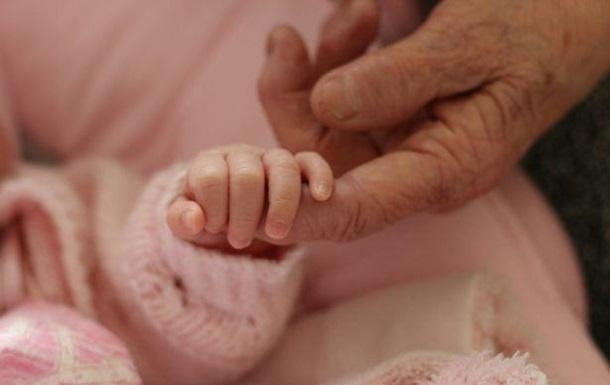 В Індії народила 75-річна жінка від 80-річного чоловіка