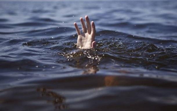 На Волыни исчезнувшего чиновника нашли мертвым в озере