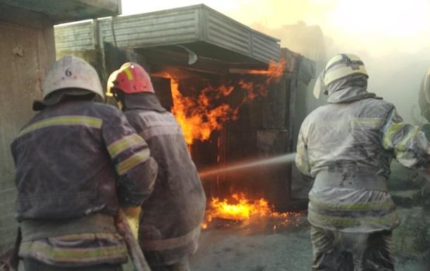 На Луганщині сталася велика пожежа на АЗС