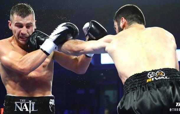 Гвоздик досрочно проиграл Бетербиеву, потеряв свой чемпионский титул