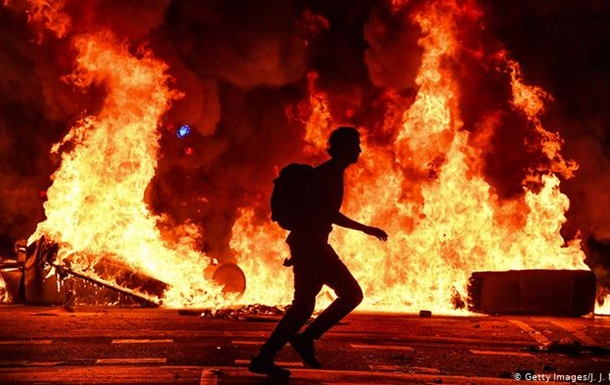 Протести в Каталонії переросли в жорсткі сутички