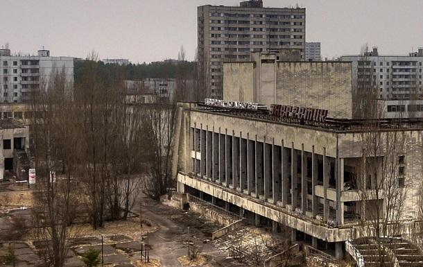 Зеленский начнёт бороться с коррупцией в чернобыльской зоне